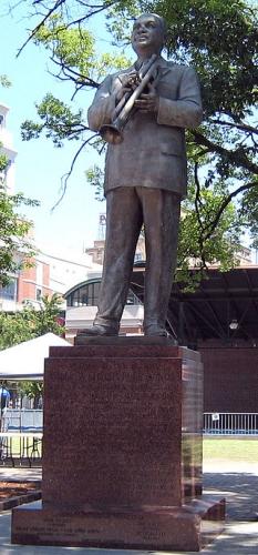 320px-Bronze_statue_of_W.jpg